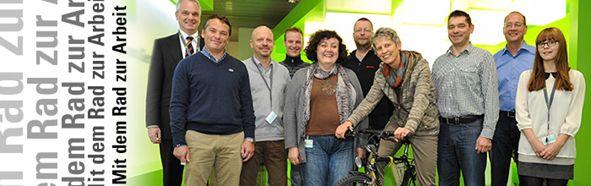 Die Hauptgewinner des Jahres 2012 zusammen mit dem Personalleiter Jochen Kurz und der Koordinatorin Daniela Schlosser.